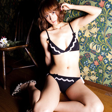 Ayaka Komatsu - Picture 9